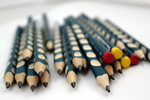 pencil-781181_640