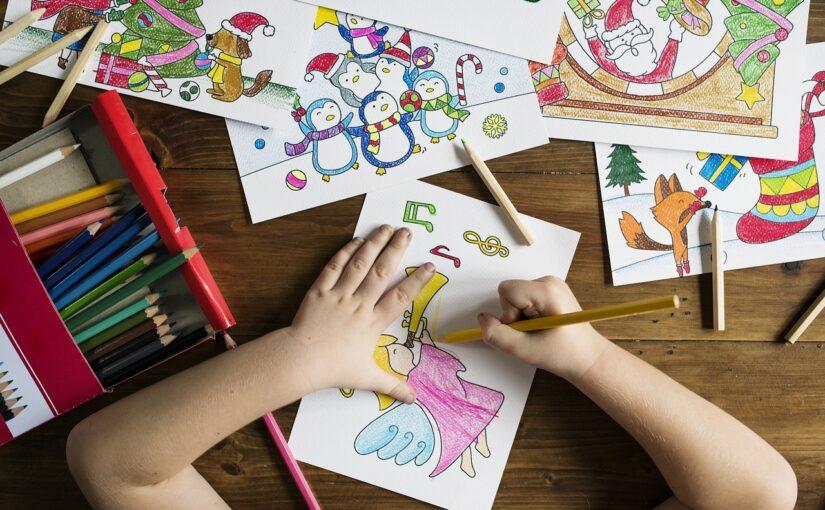 Jak pomóc dziecku w rozwijaniu umiejętności plastycznych?