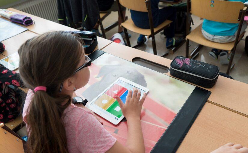 Sukcesy szkolne Twojego dziecka – jak mu w tym pomóc?