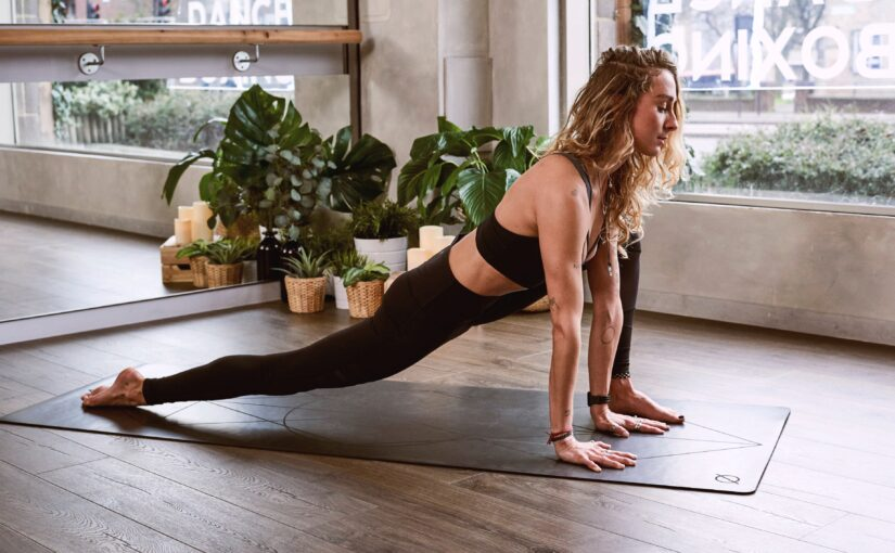 Gimnastyka w domowym zaciszu – z jakich przyrządów skorzystać