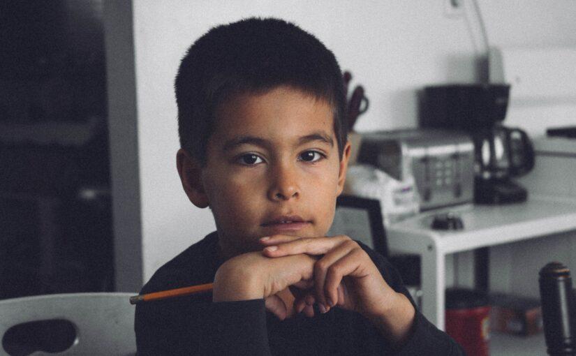 Lekcje w domu – jak pomóc dziecku w nauce